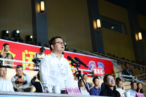 2、市委常委、副市长胡宝国宣布市六运会闭幕